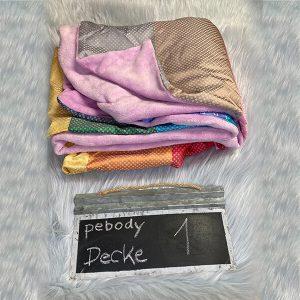 """Upcycling Design Seidendecke """"made in Germany"""" von Designerin Pe Brodhag – ein handgefertigtes Unikat & individuelle Geschenkidee"""